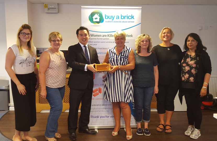 Havant MP Alan Mak votes in support of domestic abuse charity
