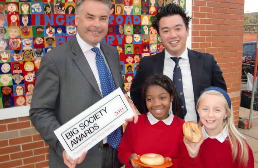 Alan Mak and the Prime Minister's Big Society Award